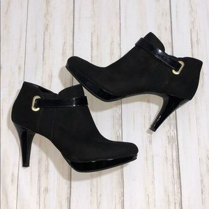 Bandolino Black Ankle boots with Gold accent